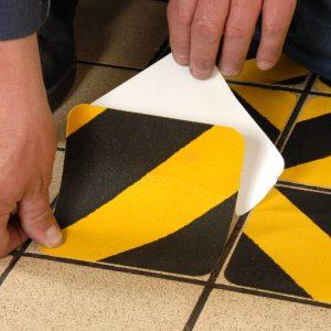 Antislip Tape Geel-Zwart met gekorrelde deklaag