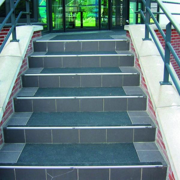 stair tread02