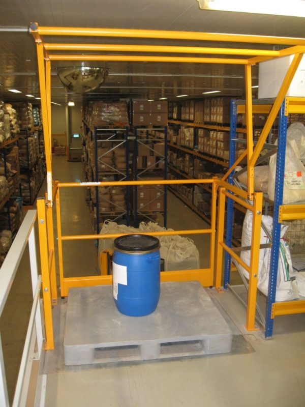Available in Standard Widths, suitable for 1.60m high pallets