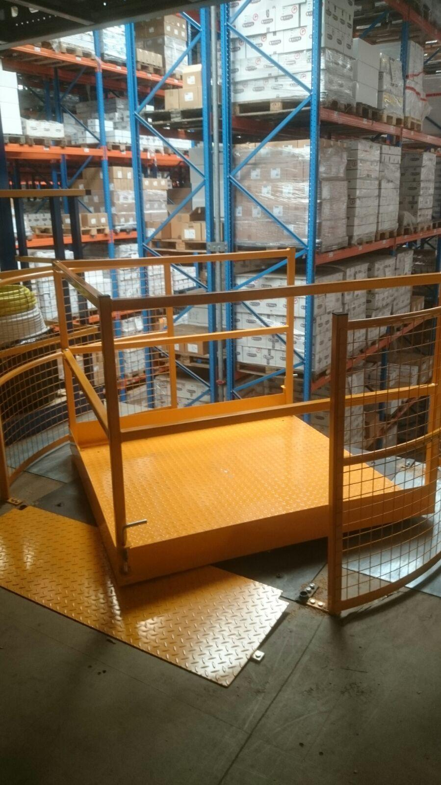 Vario 360 Safety Pallet Gate System Of The Turning Type
