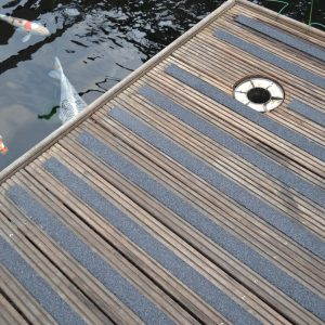 Fiberglass antislip decking strips
